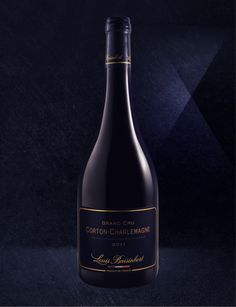 - Limited edition of 300 bottles -  This vine parcel overlooks the legendary Corton Mountain and is named after the Emperor Charlemagne to whom it once belonged. It forms a natural amphitheatre located in the north of the Côte de Beaune and Louis Baisinbert is proud to bring you its Corton-Charlemagne Grand Cru.