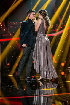 "El beso de Amaia y Alfred, broche de oro para la gala 12 de ""Operación Triunfo"" Rick Y, Thalia, Tv Shows, Concert, Couples, Celebrities, Photography, Singers, Kawaii"