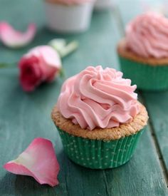 You have to admit Rosewater Pistachio Cupcakes with Mascarpone Cream Frosting by My Kitchen Antics sound delightful. These cupcakes with pistachio, almond and Frosting Recipes, Cupcake Recipes, Dessert Recipes, Dessert Ideas, Baking Recipes, Yummy Treats, Delicious Desserts, Sweet Treats, Fun Cupcakes