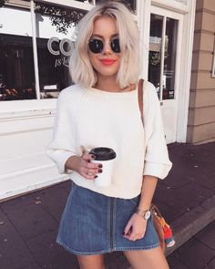 "11.8 k mentions J'aime, 61 commentaires - Laura Jade Stone (@laurajadestone) sur Instagram : ""☕️☕️☕️ 