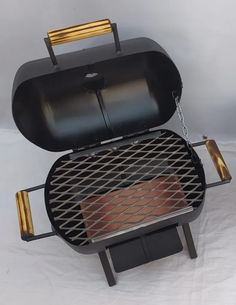 Wood Burner Stove, Diy Wood Stove, Diy Rocket Stove, Rocket Stoves, Gas Bbq, Bbq Grill, Gas Bottle Bbq, Propane Tank Art, Outdoor Toilet