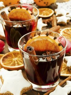 A Magic Mulled Wine Recipe To Infuse Your Intentions With Fire, Power, And Action - Christmas - Wein Ginger Slice, Fresh Apples, Wine Parties, In Vino Veritas, Mulled Wine, Cooking Instructions, Wine Recipes, I Foods, Chocolates