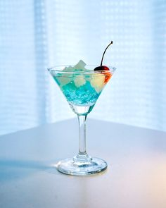 Rainbow Drinks, Martini, Fashion Shoes, Cocktails, Miniatures, Tableware, Glass, Cookie, Food