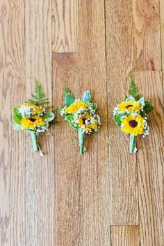 Sunflower style wedding boutonniere  / http://www.himisspuff.com/mint-and-yellow-wedding-ideas/4/