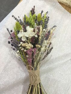 Haz que tu boda sea especial con este bonito ramo de flores Delight all your guests with this beautiful flower Check other ideas in our boards Dried Flower Bouquet, Flower Bouquet Wedding, Dried Flowers, Food Bouquet, Boquette Wedding, Floral Wedding, Wedding Ideas, Bride Bouquets, Bridesmaid Bouquet