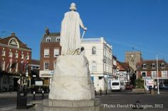Wantage Town Centre - King Alfred Statue