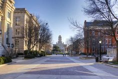Virtual Campus Tour of University of Iowa by YouVisit