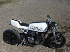 bobber   Kawasaki Z 500 Bobber Motorcycle In White with Black Stripe