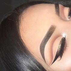 pinterest: @ nandeezy † Kiss Makeup, Glam Makeup, Pretty Makeup, Makeup Inspo, Bridal Makeup, Makeup Art, Makeup Inspiration, Beauty Makeup, Face Makeup