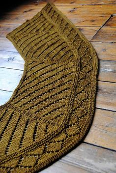 Ravelry: Gyllis pattern by Stephen West