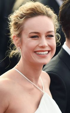 Brie Larson from Best Beauty Looks: SAG Awards 2017 The Room actress is refreshing, focusing her beauty look on her natural features and curly hair. Beautiful Celebrities, Beautiful Actresses, Beautiful People, Beautiful Women, Brie Larson, Sacramento, Actors & Actresses, Female Actresses, Blonde Actresses