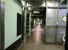 Hall connecting the missile side with the housing/control side