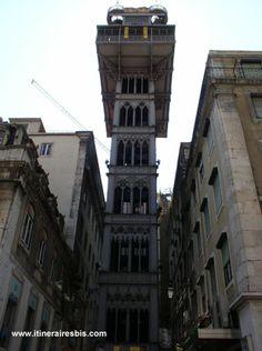 L'une des curiosités de Lisbonne, l'élévateur de Santa Justa dans la quartier de la Baixa à Lisbonne