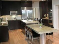 Kitchen dark cabinets lighter grey walls reno home for Cocinas pequenas con desayunador
