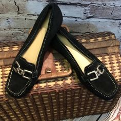 SZ 9 MADELINE STUART BLACK SUEDE LEATHER LOAFERS Very comfy black leather loafers in gently used condition. Madeline Stuart Shoes Flats & Loafers