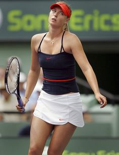 There are several things that you need to be well aware of as you consider how you are playing tennis. The body is susceptible to so many different potential injuries in the process of playing tennis that it is very important to be ca Sport Tennis, Tennis Live, Wta Tennis, Sharapova Tennis, Tennis Clothes, Tennis Outfits, Maria Sharapova Photos, Yuri, Tennis World