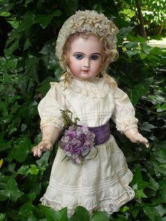 Wonderful JUMEAU DEPOSE' Incised size 10 from antiquedolls6395 on Ruby Lane
