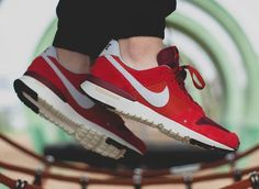Nike Archive 83.M: Red