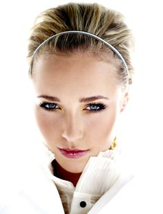Hayden Panettiere–make up for blue eyes