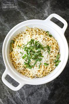 Mizithra Pasta The Old Spaghetti Factory - Gnocchi rezept Yummy Pasta Recipes, Casserole Recipes, Beef Recipes, Dinner Recipes, Cooking Recipes, Healthy Recipes, Copycat Recipes, Restaurant Recipes, Dinner Ideas