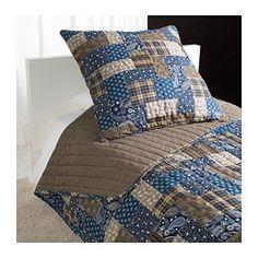 IKEA - FRÄKEN, Tagesdecke+Kissenbezug, 180x280/65x65 cm, , Besonders weich und angenehm, da Tagesdecke und Kissenbezüge im Steppmuster wattiert sind.Tagesdecke mit einer hellen und einer dunklen Seite - so lässt sich der Stil im Schlafzimmer variieren.Der Kissenbezug mit verdecktem Reißverschluss lässt sich leicht abnehmen.Einfach zu transportieren und unterzubringen, da die Verpackung gleichzeitig Schutzhülle bei der Aufbewahrung ist.