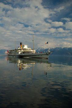 Lausanne, Lake Geneva Switzerland, Location Chalet, Stations De Ski, Destinations, Vevey, Canton, Escapade, Europe
