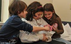Бебе Свят - Децата, когато видят за първи път новородените си братя/сестри