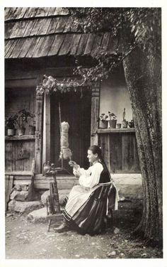 Folklore, Goddess Art, Moon Goddess, Old Photography, Principles Of Art, Family Roots, Folk Dance, Fantasy Setting, World Photo