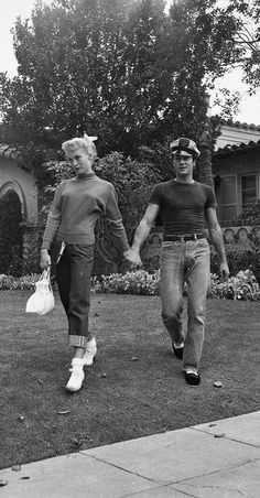 Tony Curtis and Janet Leigh at home, c. early 1950s | via Facebook