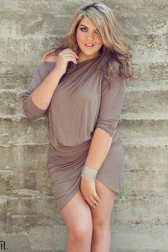 modelo simples de vestidinho curto para gordinhas  ----------------------------------------- http://www.vestidosonline.com.br/modelos-de-vestidos/vestidos-gordinhas