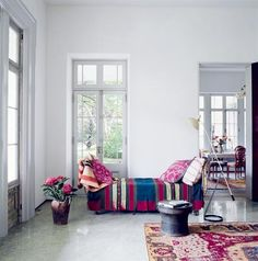 .Love the fresh clean space with antique great colored blanket rug;)