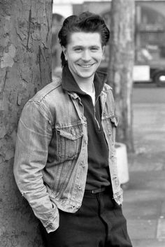 Gary Oldman - I think he actually managed to get more attractive with age!