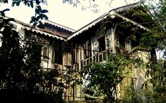 abandoned house from colonial times, Yangon, Myanmar