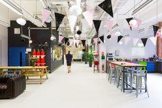 Moonpig office by ThirdWay Interiors, London – UK Office Wall Design, Office Walls, Visual Merchandising, Uk Retail, Branding, Design Furniture, Office Interiors, Retail Design, Stores