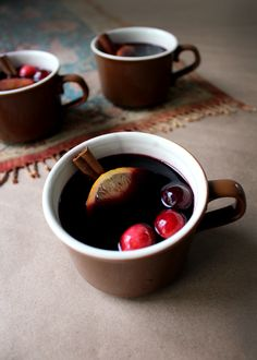 holiday mulled wine recipe with cranberries