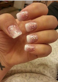 Time for Glitter Party Nails. Glitter nails that fade to white french tip manicure. Gel Nagel Kit, Nagel Gel, Love Nails, How To Do Nails, My Nails, Pink Nails, Gorgeous Nails, Nails Turquoise, Nails 2017