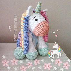 No photo description available. Crochet Pony, Crochet Horse, Crochet Unicorn, Cute Crochet, Crochet Animals, Knit Crochet, Amigurumi For Beginners, Unicorn Crafts, Amigurumi Toys