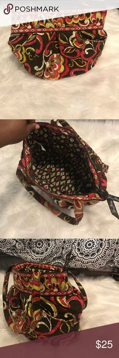 Vera Bradley purse Still in great condition. No ripping or tearing of any sort. Vera Bradley Bags Shoulder Bags