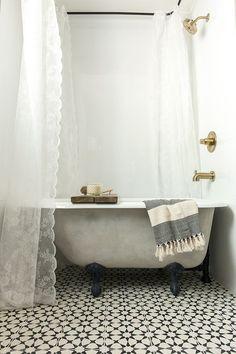 This Is One of the Most Beautiful DIY Bathroom Renovations Evercountryliving Diy Bathroom, Bathroom Renos, Bathroom Renovations, Bathroom Black, White Bathrooms, Small Bathrooms, Modern Bathroom, Master Bathroom, Tiled Bathrooms