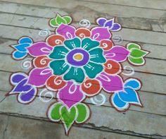 Easy Rangoli Designs Videos, Indian Rangoli Designs, Colorful Rangoli Designs, Rangoli Designs Images, Beautiful Rangoli Designs, Mehndi Designs, Rangoli Patterns, Rangoli Ideas, Kolam Rangoli