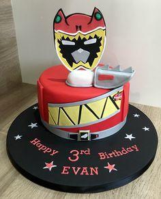 Power Rangers Dino Charge Birthday Cake Power Rangers Dino, Bolo Power Rangers, Power Rangers Birthday Cake, Power Ranger Cake, Power Ranger Party, Joint Birthday Parties, 4th Birthday Cakes, Sister Birthday, Birthday Bash