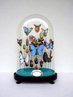 globe en verre : 10 idées pour une déco sous cloche ! | > http://www.rtbf.be/tendance/deco-design/detail_tendance-deco-le-globe-de-verre?id=8378268