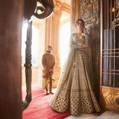 Royal Bridal Dress – Indian Lehenga Blouse - All About Golden Bridal Lehenga, Indian Bridal Lehenga, Pakistani Bridal Wear, Indian Wedding Outfits, Indian Outfits, Indian Weddings, Indian Clothes, Hindu Weddings, Wedding Attire
