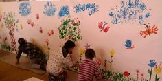 A primeira coisa que se pensa quando falamos da primavera são as flores, e em segundo lugar, você lembra que precisa fazer um belo painel ou mural para a sua escola e para a sala de aula, para comemorar a chegada desta data tão especial. E antes que você comece a produzir as atividades para … Continuar lendo Painéis e Murais para a Primavera – 23 de Setembro