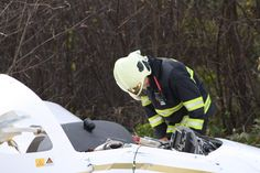 Just over an hour ago this Slovak-made Aerospool WT9 Dynamic crashed near the village of Koš (western Slovakia), however the pilot walked away without injury. Photos: TASR