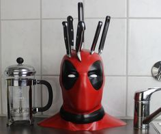 Ahahahaha...Deadpool Knife Block