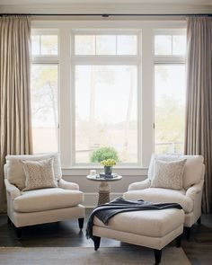 Master bedroom, Private Residence 90 | Portfolio - Wayne Windham Architect Living room chairs