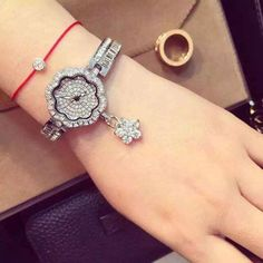 Top Luxury Brand Bracelet Watches Women Rose Gold Quartz Watch For Women Rhinestone Stainless Steel Wristwatches female clock Like and share if you think it`s fantastic! Get it here