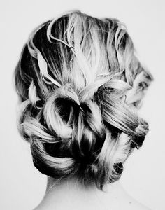 Oh my gosh... I love this. I want my hair up so it doesn't blow all over the place outside... If it had a braid in it, it'd be PERFECT!
