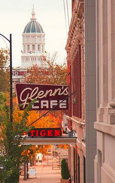Glenn's Café in Columbia, MO will surely give any visitor that friendly (and tasty) Midwest vibe.